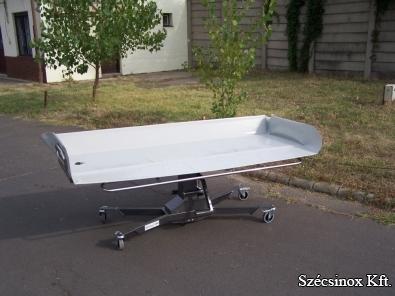 Betegfürdető- és mozgató ágy